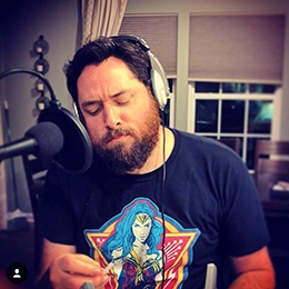 Geek Fuel unboxer wearing Wonder Woman shirt